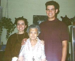 Liliana, Abuelita y Jorge Magallanes