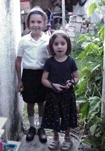 Preciosas Karla y Tania